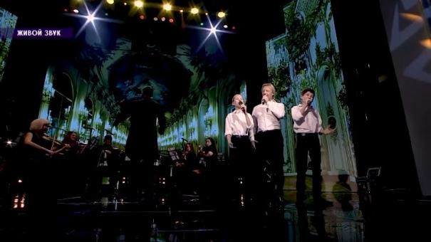 Выступление Дмитрия Харатьяна с участниками шоу «Таланты»