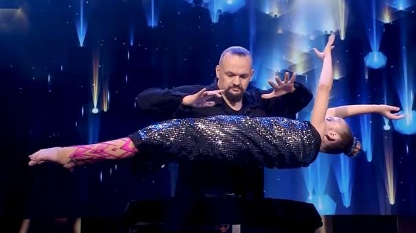 Финал шоу «ТаланТы». Выступление Дианы Зубковой и Владимира Полищука