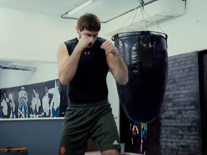 Мастер спорта России по тайскому боксу  расскажет  о превратностях профессионального спорта в программе «Спорт. Лица»