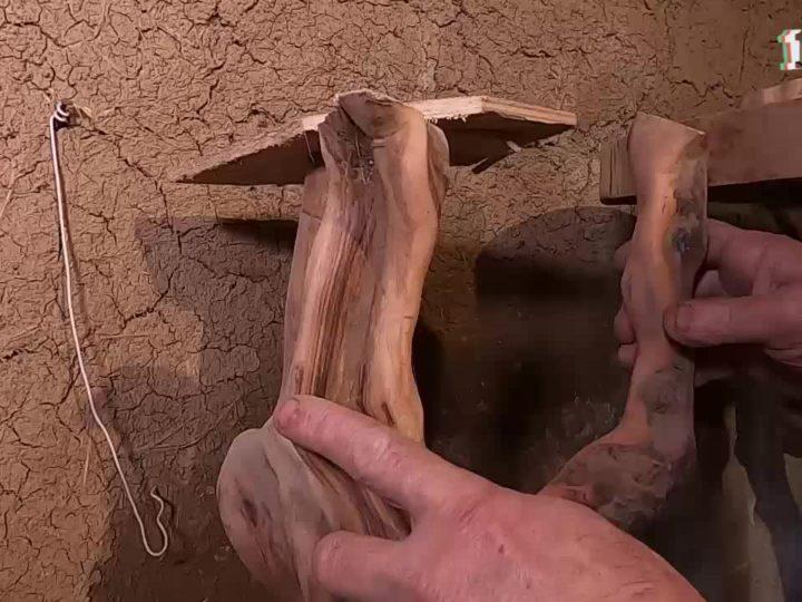 мастер из Армянска Вячеслав Пархоменко изготавливает уникальные предметы интерьера