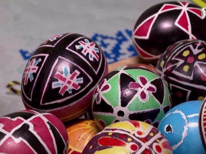Пасхальное яйцо испокон веков считается символом светлого праздника и самым главным подарком