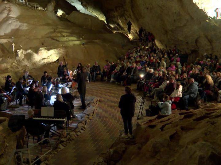 Концерт инструментальной музыки «Звуковой сплав» прошёл в пещере «Мраморная» в Крыму